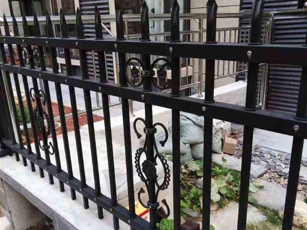 镀锌钢围栏
